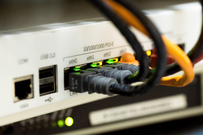Berühmt Home Wired Router Bilder - Schaltplan Serie Circuit ...